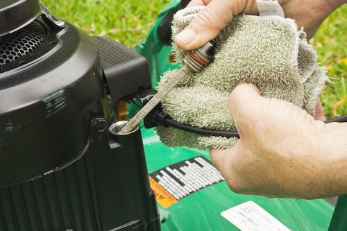 benzine grasmaaier onderhouden