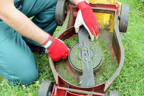 benzine grasmaaier schoonmaken